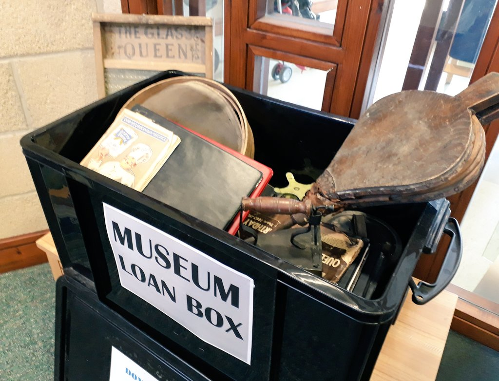 An example of a Museum Loan Box